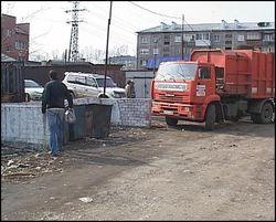 В Киеве пенсионерка умерла под колёсами мусоровоза