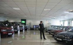 Чем завершился налет на автомобильный салон в Москве?