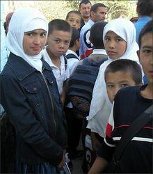 Почему школьники Кыргызстана считают своим президентом… Ислама Каримова?