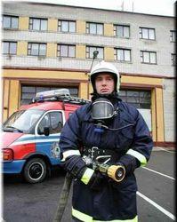 Из-за пожара в Донецкой школе МЧС эвакуировало 520 человек