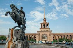 Почему ЮКЖД закрывает на ночь ереванский вокзал?