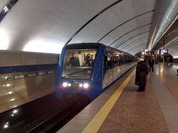 Пожилой мужчина умер в вагоне метро в Минске