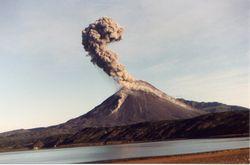 Как проявляется активность вулкана Шивелуча?