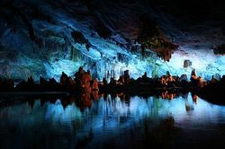 О чем может рассказать древнейшая вода на Земле?