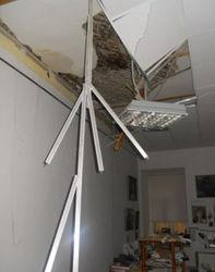 Из-за чего обвалился потолок в московском колледже?