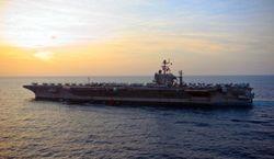 Авианосец США Abraham Lincoln проплыл у берегов Ирана без инцидентов