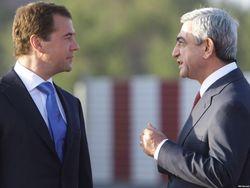 Д.Медведев проводит переговоры с С.Саргсяном