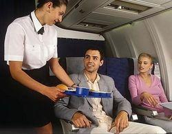 Советник представительства Казахстана при ЮНЕСКО напал в самолете на стюардессу
