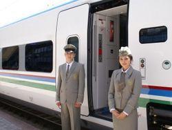 Первый высокоскоростной поезд прибыл в Узбекистан