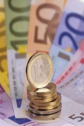 Инвесторам: что влияет на рост курса евро?