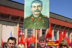 Сколько украинцев думают о Сталине как о великом вожде?