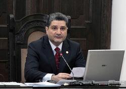Премьер пригласил российский банк на армянский рынок