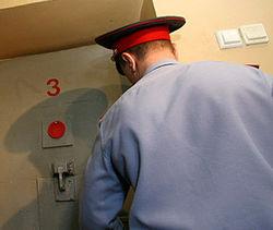 Полицейский, избивший до смерти подростка в Петербурге, арестован