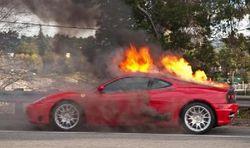 Кто поджигает машины в Москве?