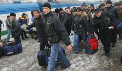 Почему в Казахстане растет число желающих эмигрировать?