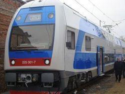 Первый двухэтажный поезд прибыл в Харьков
