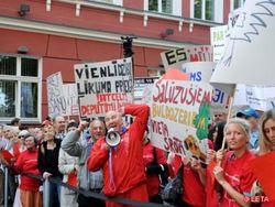 За что будут пикетировать Сейм в Латвии?