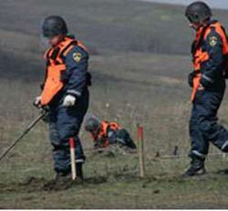 Саперы уничтожили бомбу на сельской дороге в Дагестане