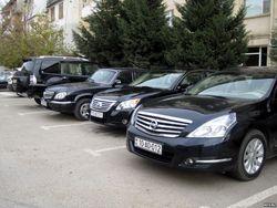 Чиновникам решили оставить право на приобретение дорогих автомобилей