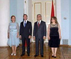 Ксения Собчак заступается за жену президента РФ