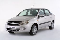 """Инвесторам: """"АвтоВАЗ"""" намерен обновлять модели каждые полгода"""