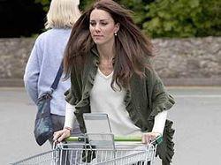 Супруга английского принца сама ходит в магазин