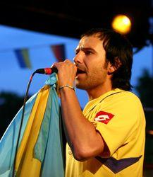 Лидер группы «Океан Эльзы» Святослав Вакарчук проведет он-лайн концерт на YouTube