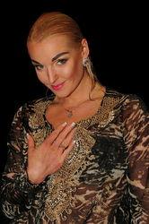 Зачем Волочкова распространила свою фотосессию в купели и бане?
