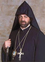 Почему армянский католикос позволяет себе принимать роскошные подарки?