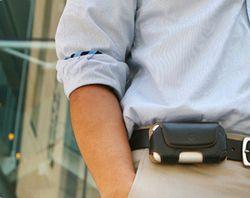 Какими болезнями грозит ношение мобильника?