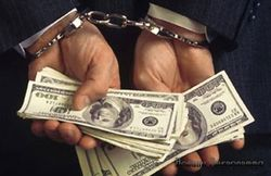 В Казахстане за одну взятку сядут два чиновника