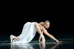 Волочкова раздала бесплатные билеты на собственное шоу сочинским детям