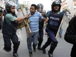 В Бангладеш жертвами столкновений с полицией стали 3 человека