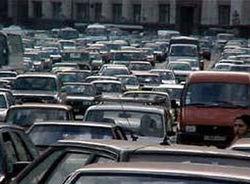 На трех трассах, ведущих в Москву, образовались многокилометровые заторы