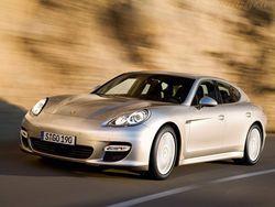У 25-летнего юриста угнали Porsche Panamera