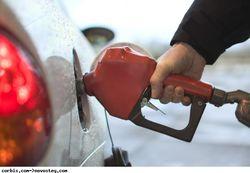 Почему иностранцам не продадут бензин за рубли?