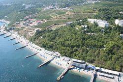 Ялтинские здравницы обещают пускать местных жителей на свои пляжи