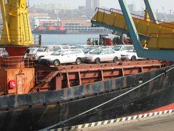 Япония сократила экспорт машин в три раза