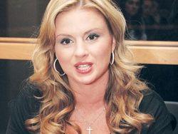 Анна Семенович распрощалась с вульгарным имиджем секс-дивы