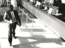 82-летняя женщина помешала ограблению банка