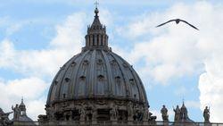 """Ватикан зарегистрирует домен вселенской церкви """".католик"""""""