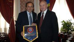Президент Молдовы с главой УЕФА