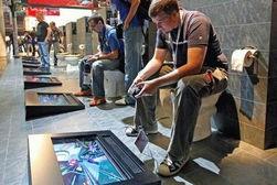 Уволенные работники GAME устроили забастовку