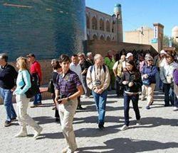 туристы Узбекистана