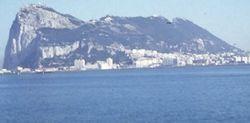 Королева Елизавета II отправила к Гибралтару морской флот – причины
