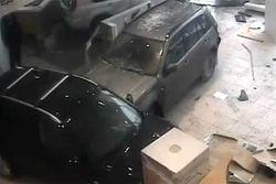 Гинекологу, разгромившему автосалон вернули его машину