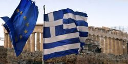 Греки выводят из банковской системы деньги