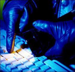 Хакеры отдают ОПГ половину украденных денег