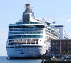 На круизном лайнере «Grandeur of the Seas» вспыхнул пожар