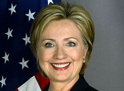 FLOAR и FLOTUS: Хиллари Клинтон вышла в народ через Twitter